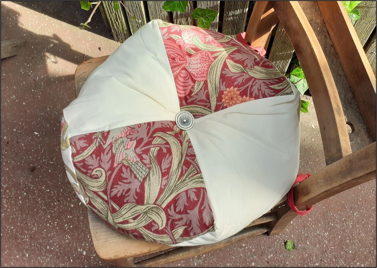 Biscornu Cushion Frances2